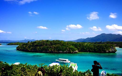 沖縄の海を気軽にお散歩♪おすすめ・人気のグラスボートスポット一覧