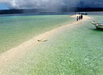 幻の島 珊瑚がくだけた砂だけの島