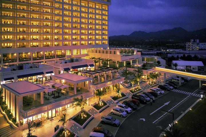 沖縄 高級リゾート アラマハイナコンドホテル 外観