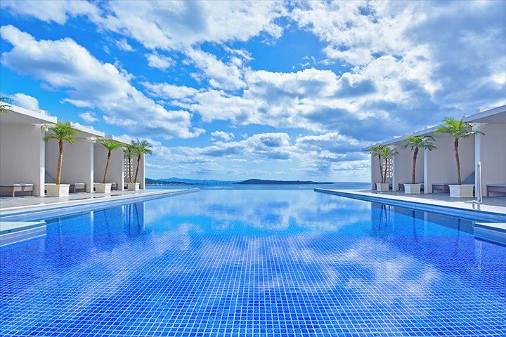 沖縄 高級リゾート アラマハイナコンドホテル プール