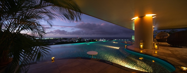 沖縄 高級リゾート ホテル グランディスタイル沖縄読谷ホテル プール