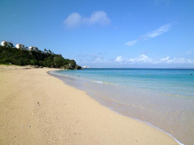 海中道路の先、伊計島の大泊ビーチ