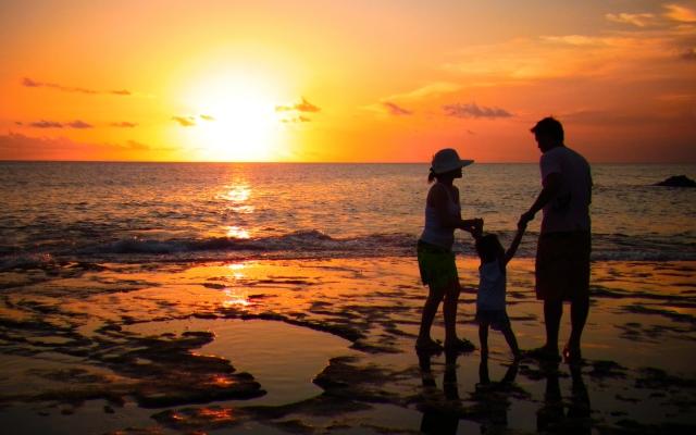 沖縄家族旅行イメージ