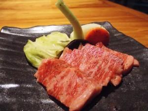 夕食・メインの県産牛