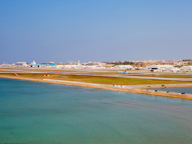 瀬長島から見る那覇空港