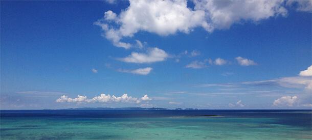 瀬長島からみる海