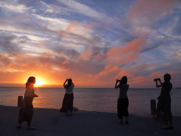 瀬長島から眺める夕陽