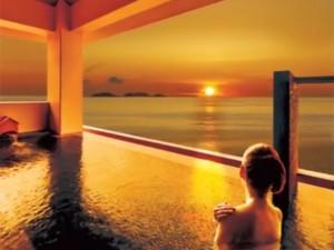 瀬長島温泉龍神の湯から眺める夕陽
