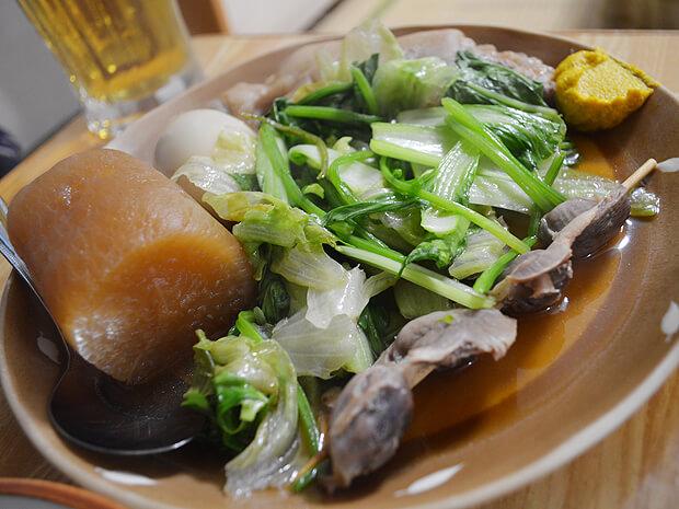沖縄のおでんは青菜たっぷり