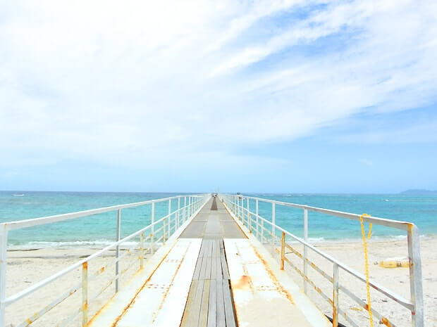 桟橋からみる海