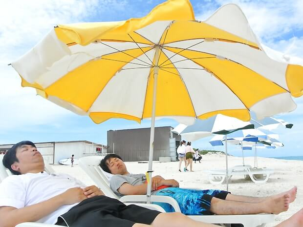 ナガンヌ島でお昼寝