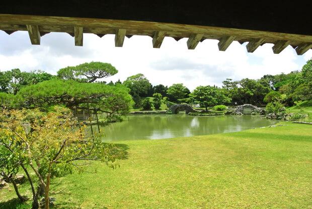 識名園の庭