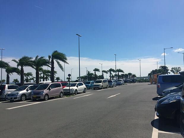 新石垣空港の駐車場
