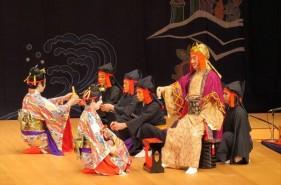 ツウな沖縄の楽しみ方-初めての伝統芸能「組踊」徹底指南書