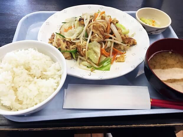 空港食堂のチャンプルー料理