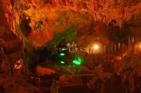 石垣島鍾乳洞|雨でも楽しめる!世界初のイルミネーション鍾乳洞