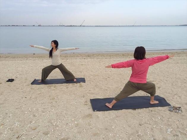 beach-yoga (17)