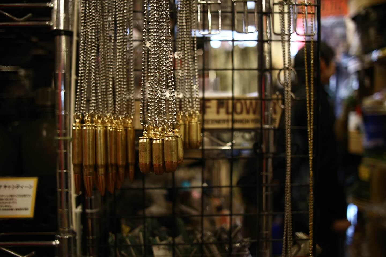 銃弾ネックレス
