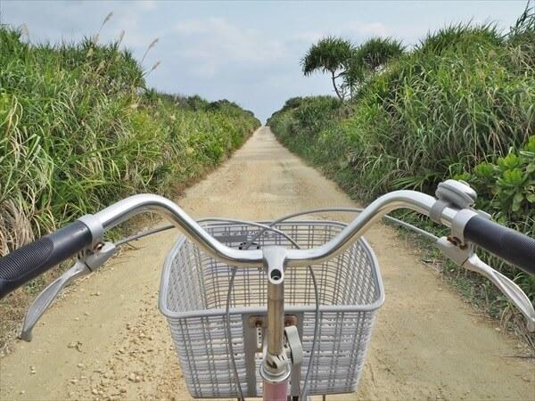 レンタサイクルで行く久高島