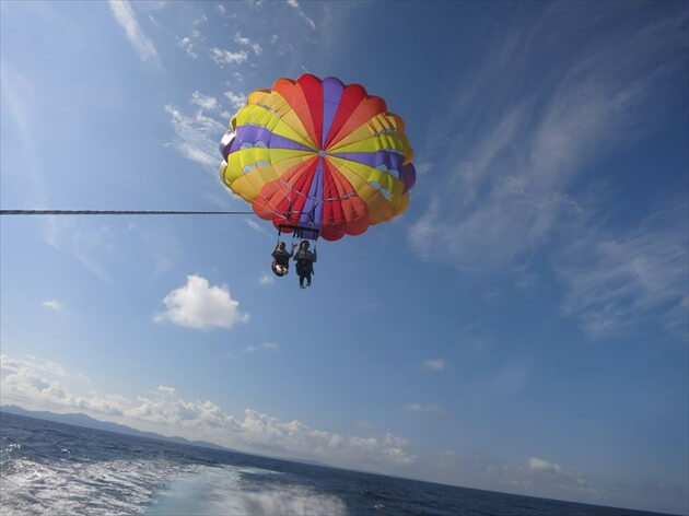 沖縄パラセーリング体験
