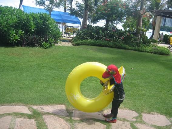 沖縄旅行の持ち物イメージ