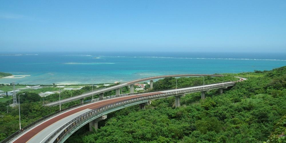 ニライカナイ橋|沖縄旅行おすすめイメージ