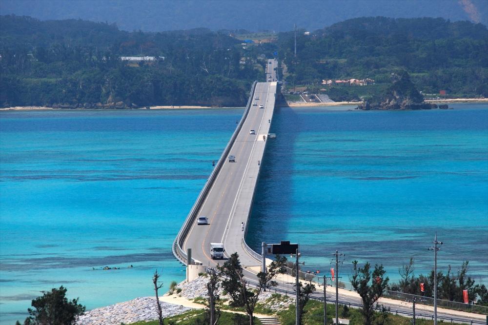 沖縄旅行レンタカーイメージ