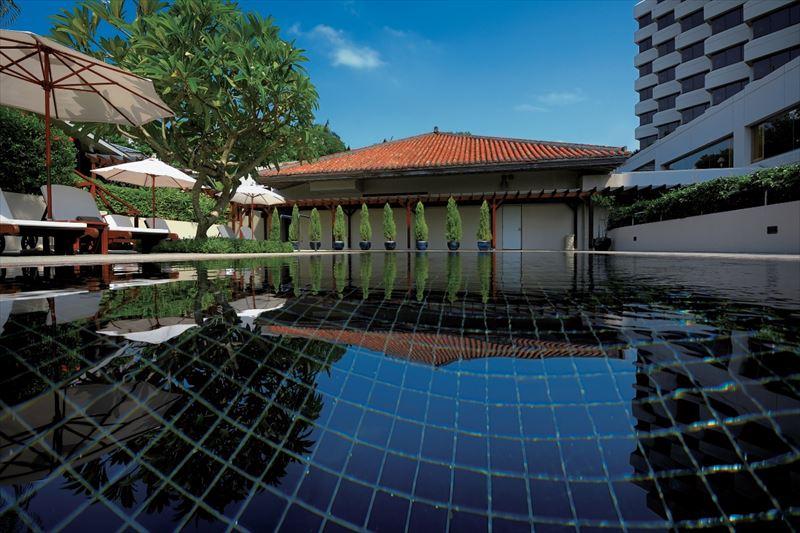 中庭プール