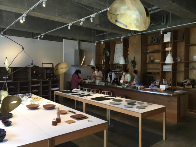 沖縄で料理教室 RENEMIA店内