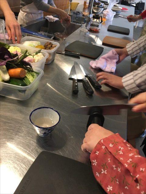 沖縄で料理教室包丁とぎ