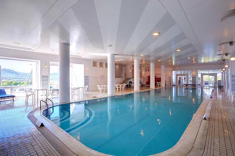 ホテルマハイナウェルネスリゾートオキナワインドアプール