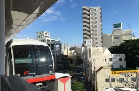 那覇を旅するなら沖縄都市モノレール「ゆいレール」を乗りこなそう