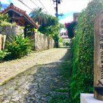 沖縄らしい風景に出会える!首里の石畳をのんびりスウィーツ散歩