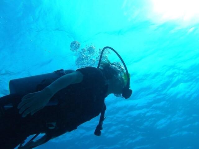 沖縄ダイビング一人