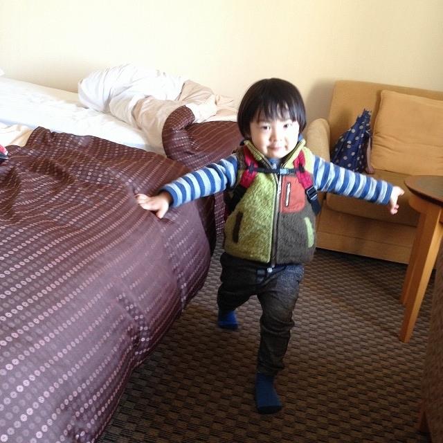 秋冬にやりがちな「コートでスーツケースパンパン」事件
