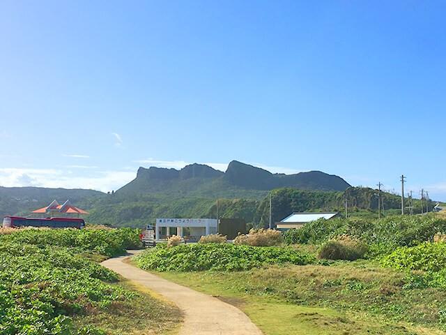 辺戸岬から見た大石林山