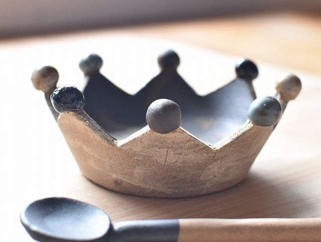 ハイセンス沖縄土産 「土の種」王冠やちむん