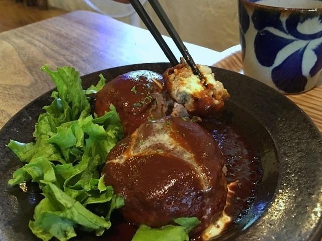 土~夢ごはんカフェ ハンバーグプレート 箸掴み