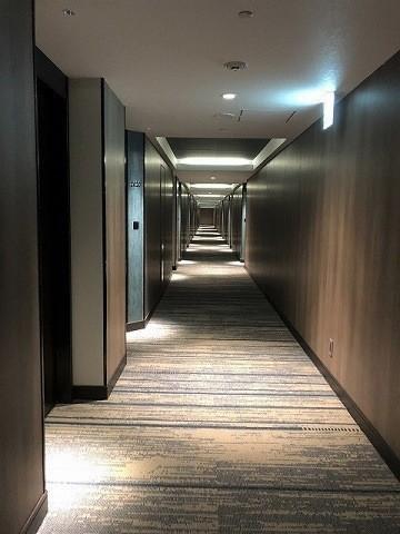 ダブルツリーbyヒルトン沖縄北谷リゾート 客室棟 廊下