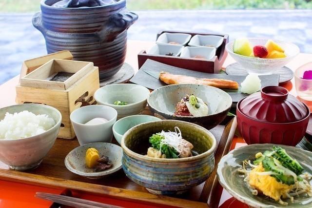オリエンタルヒルズ沖縄 和朝食
