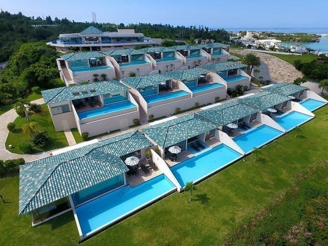 オリエンタルヒルズ沖縄 上空から敷地を俯瞰する