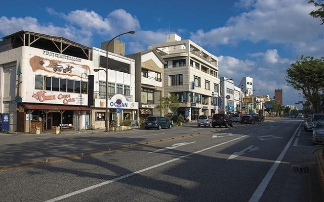 沖縄 アメリカ文化 コザゲート通り