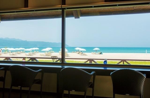 オクマプライベートビーチ&リゾート 潮風のラウンジ