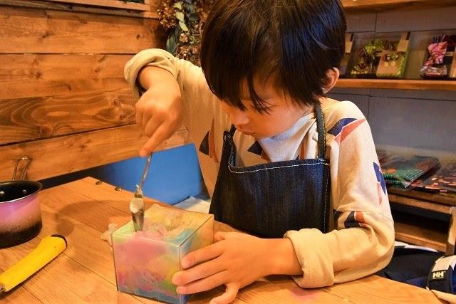 琉球ログア キャンドル作り体験 カタチを整える
