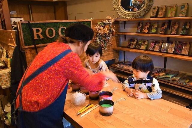 琉球ログア 先生に教わりながら キャンドル作り体験