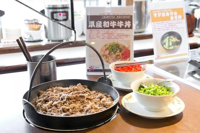 ホテルミヤヒラ 朝食ビュッフェ 牛丼