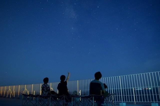 石垣島ビーチホテルサンシャイン 屋上 しゃにしゃに星空ツアーの様子