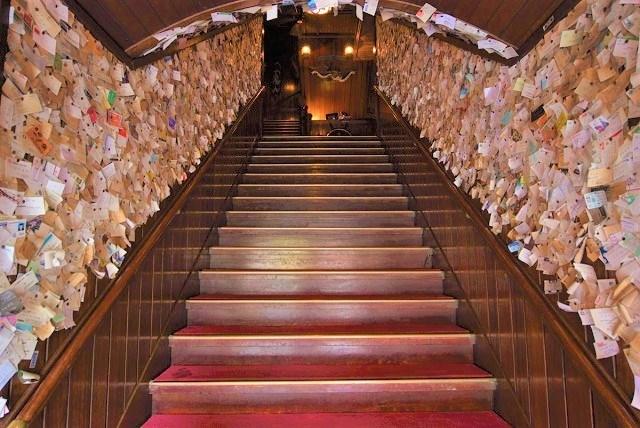 サムズ 沖縄 サムズアンカーイン宜野湾店 名刺トンネル