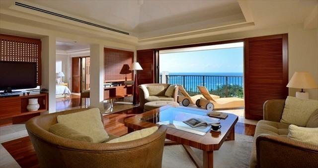 沖縄 高級ホテル ジ・アッタテラスクラブタワーズ テラススイート 客室