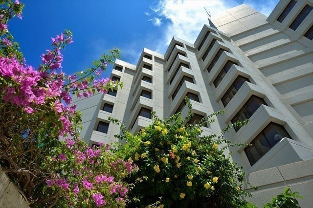 沖縄 高級ホテル ザ・ナハテラス 外観